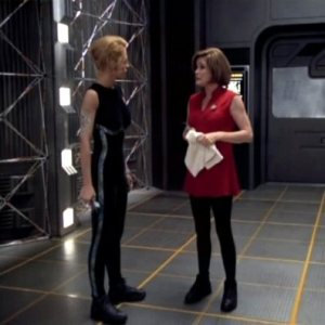 Janeway_and_Seven_of_Nine_after_velocity